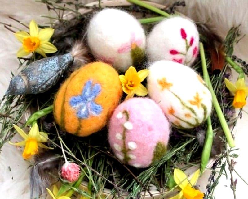 Валяные пасхальные яйца своими руками поделка на пасху 2021